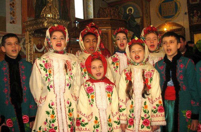 Ajunul Crăciunului pentru creştinii ortodocşi de rit vechi. Obiceiuri și tradiții.