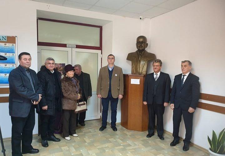 Eveniment astrist la Dej: Dezvelirea bustului Dr. Victor Motogna