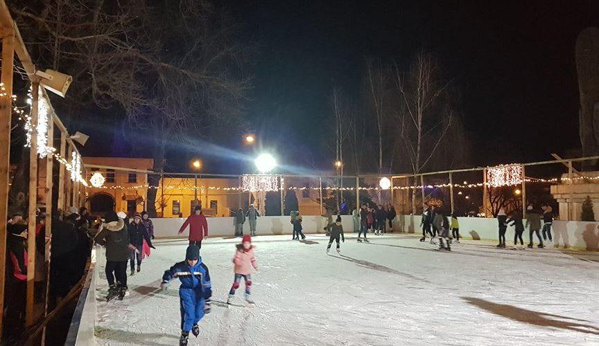 Schimbare de program la patinoar