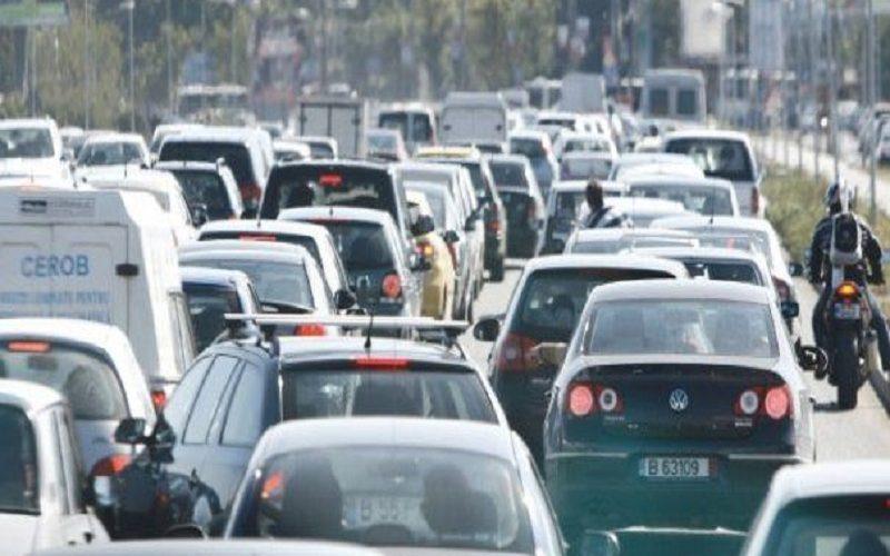 Peste 70% dintre autovehicule din România sunt mai vechi de 12 ani, iar un sfert sunt non-euro