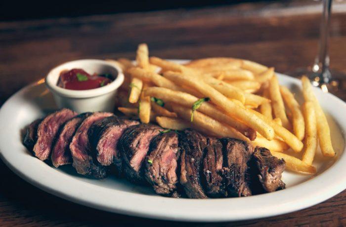Cinci restaurante clujene, închise temporar de Protecția Consumatorilor