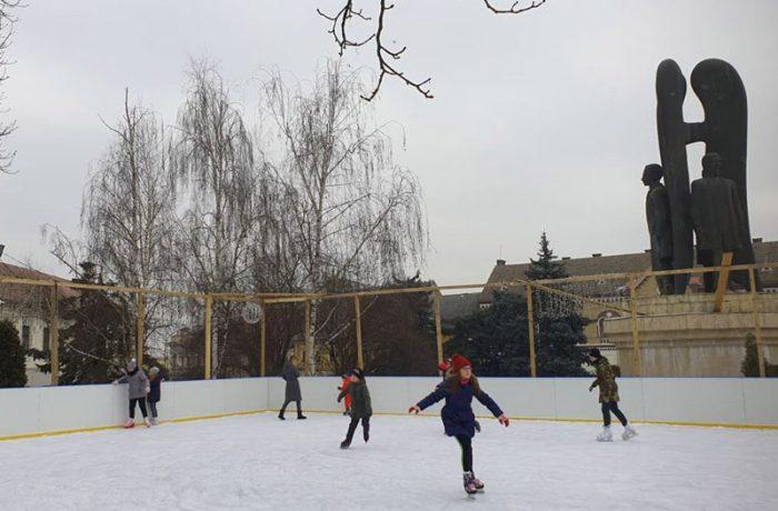 Duminică, 16 februarie, ultima zi de patinoar