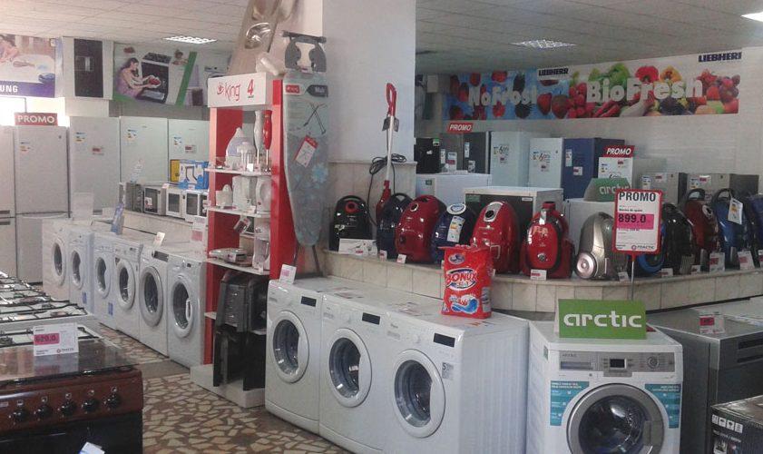 Se redeschid magazinele de electrocasnice și optică medicală din mall-uri