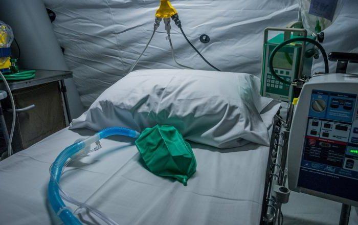 Încă cinci persoane infectate cu noul coronavirus au murit. O persoană este din judeţul Cluj.