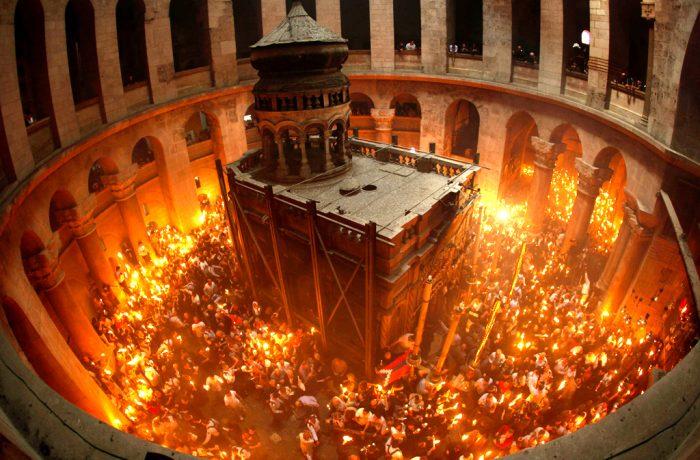 Sfânta Lumină va fi adusă și anul acesta de la Ierusalim