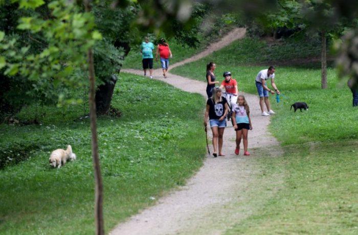 Dup 15 mai, ne vom plimba în grupuri de maxim 3 persoane!