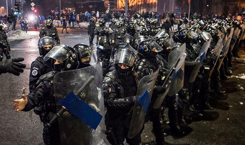 Poliția și Jandarmeria se înarmează puternic