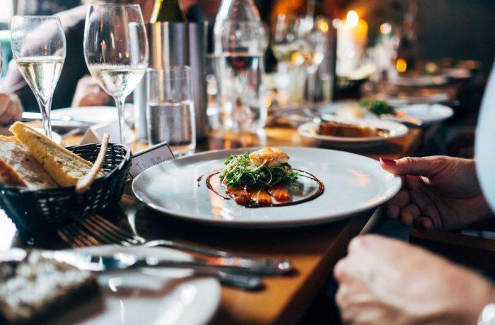 Restaurantele din Dej pot funcționa la o capacitate de 30%