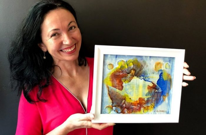 """De la Pintic, la Montreal, pentru Mona Ciciovan """"totul pornește dinspre culoare"""""""