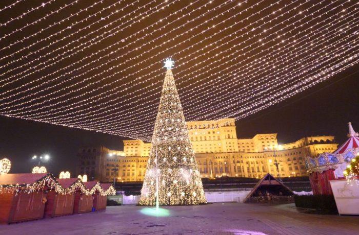 """Klaus Iohannis: Organizarea târgurilor de Crăciun în plină pandemie este """"imposibilă şi inoportună"""""""