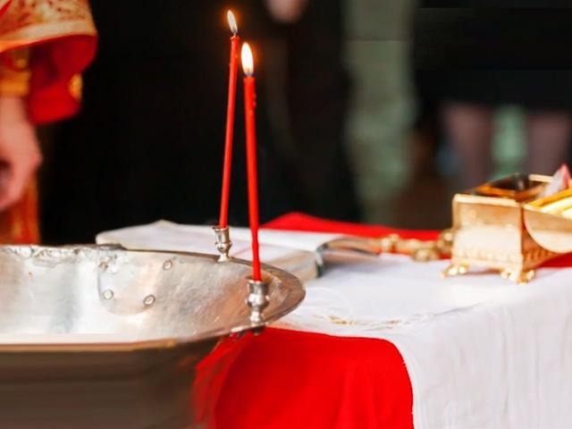 Bebelușul din Suceava, aflat în stare gravă după botez, a murit în această dimineață