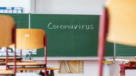COVID-19 în școlile din județul Cluj. Aproximativ 30 de angajați  au COVID -19