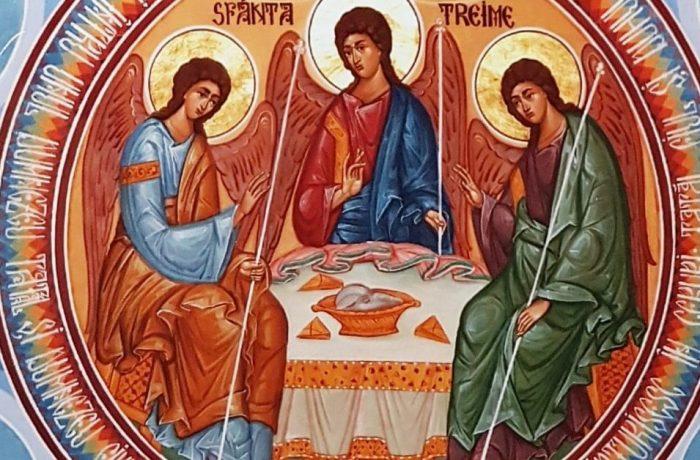 """Biserica Ortodoxă """"Sfânta Treime"""" din Dej, în prag de sărbătoare"""