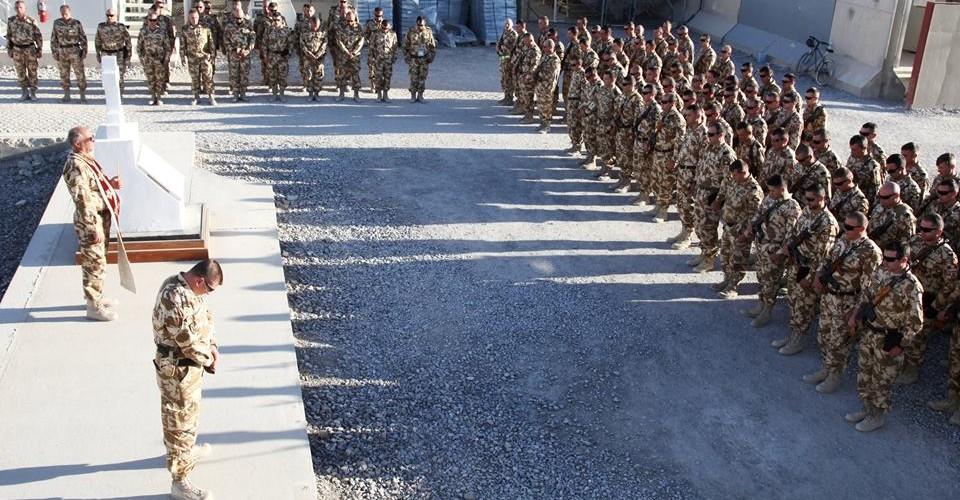 Drapelul României, coborât în bernă și în Afganistan