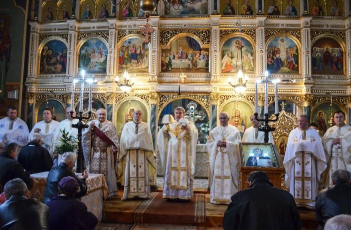"""Sărbătoare de hram la biserica """"Sfinții Arhangheli Mihail și Gavril"""""""