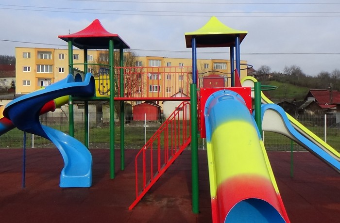 Noi locuri de joacă la Dej și Ocna Dej