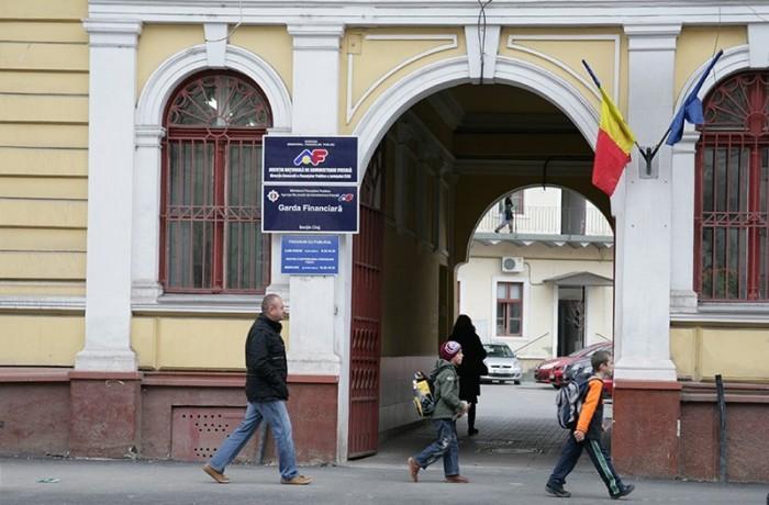 Anunţul ANAF pentru românii care muncesc în străinătate