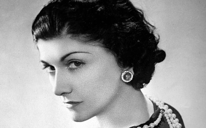 Coco Chanel, femeia care şi-a îmbrăcat epoca