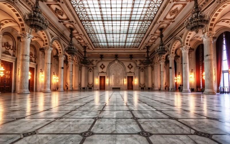 Internauţii pot vizita Palatul Parlamentului!