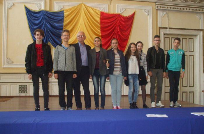 """Arlechinii"" francofoni au plecat la festival, în Belgrad"
