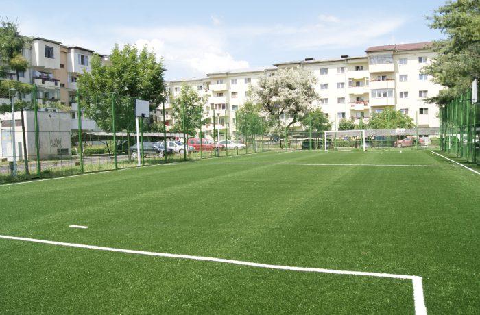 Patru terenuri de sport, reabilitate şi deschise de 1 Iunie