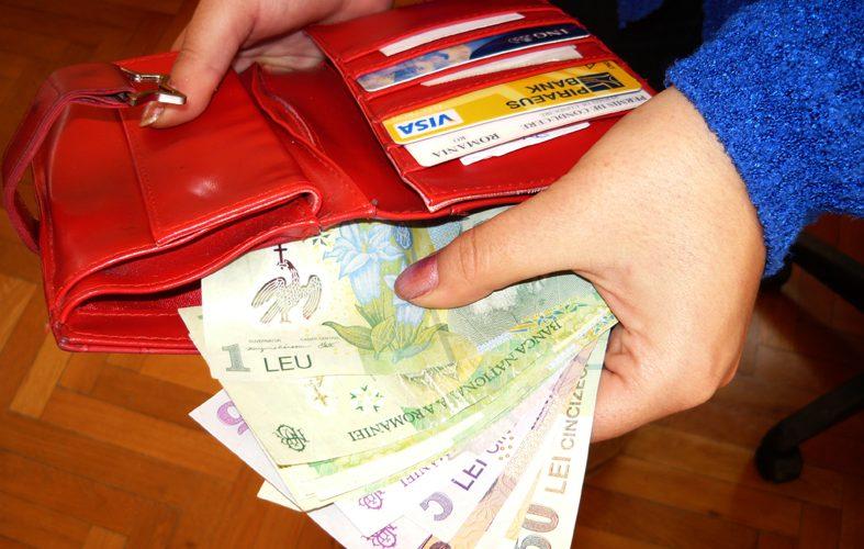 40% din români dețin, în medie, doar 21 de lei în bancă