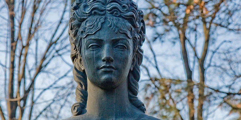 Veronica Micle, veneră și madonă