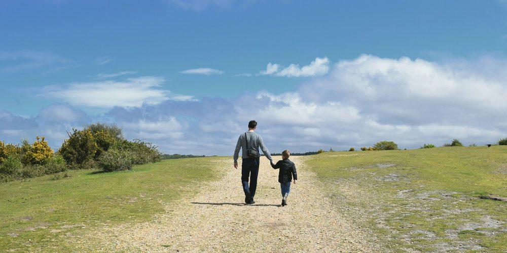 Angajatorii ar putea fi scutiţi de plata concediului paternal