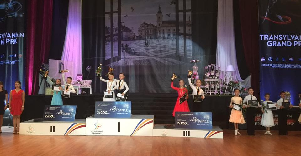 "Dansatorii de la ""Latino Angels"" la Transylvanian Grand Prix"