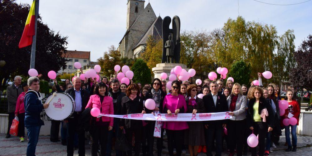 """""""Educație pentru sănătatea femeii"""" și """"Marșul Roz"""", la Dej"""