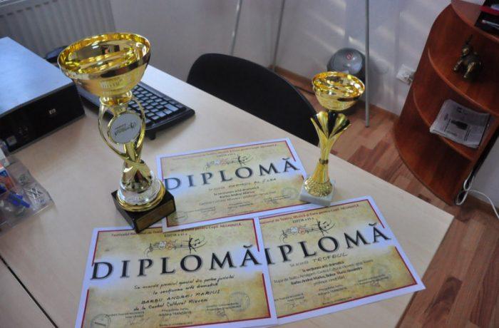 Premiul Mentor pentru Excelenţă în Educaţie, pentru zece profesori şi antrenori