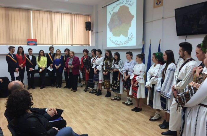 """Marea Unire, sărbătorită la Liceul Teoretic """"Al. Papiu Ilarian"""" Dej"""