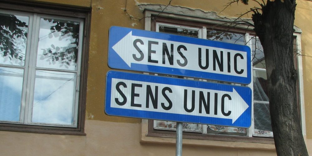 Sens unic pe strada Mărăşeşti, între hotelul  Someş şi pod