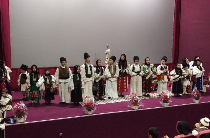 Colinde străvechi, aduse la Cluj, de tineri din întreaga Mitropolie