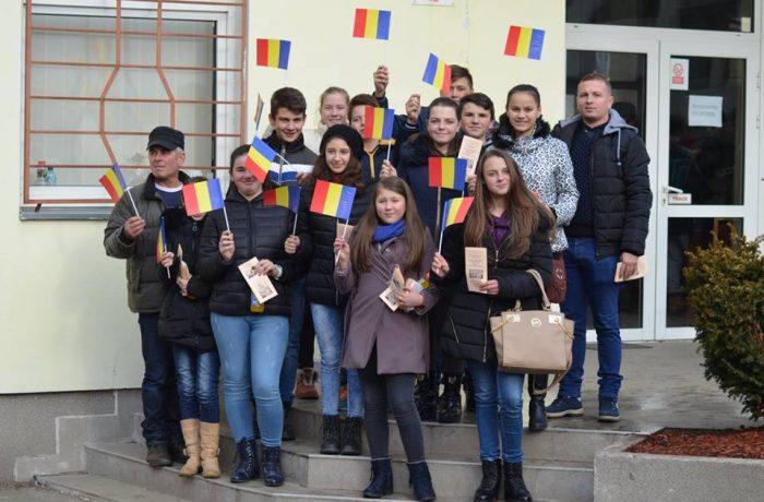 Elevi din Chiuieşti, la Cluj-Napoca, de Ziua Naţională a României