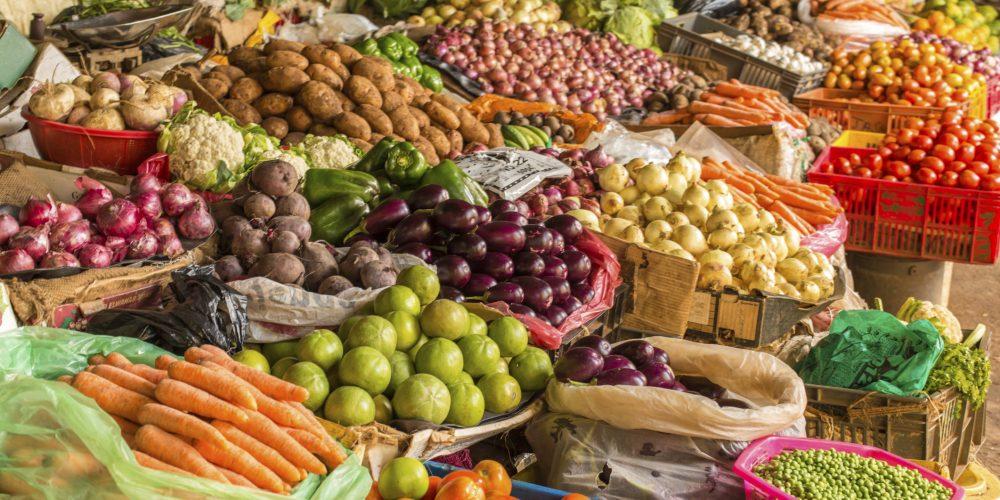 Legume de proastă calitate, vândute la suprapreţ în piețele din România