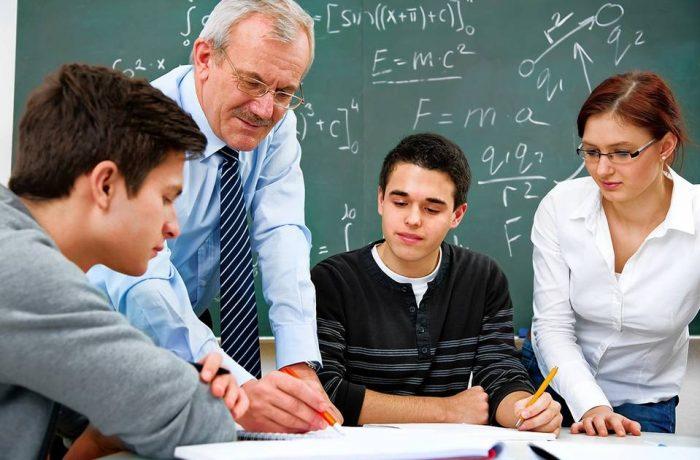 Doar 16% dintre cadrele didactice primesc gradaţia de merit !