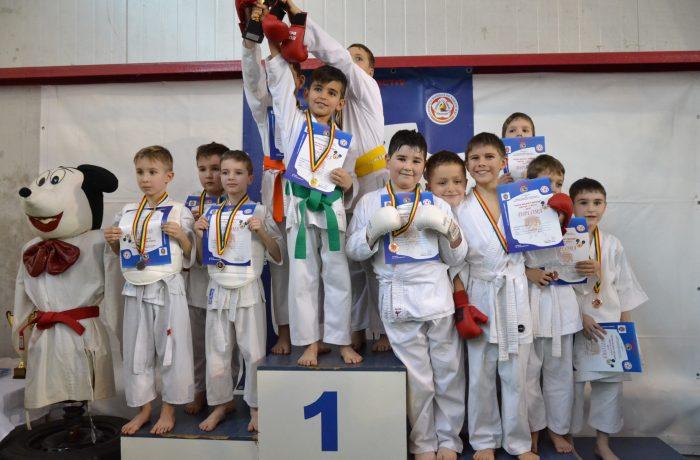 Sportivii de la Budokan Ryu au adus 13 medalii de la Florești