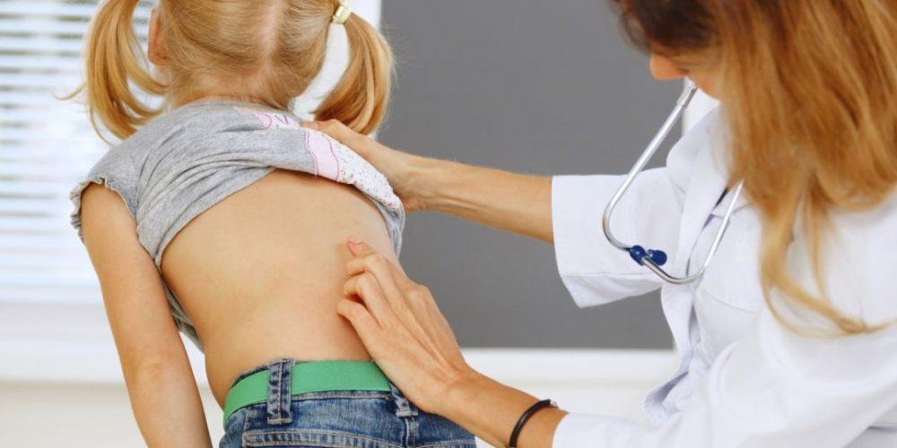 Acțiune a Clubului Rotary Dej pentru depistarea și diagnosticarea cifoscoliozei la copii