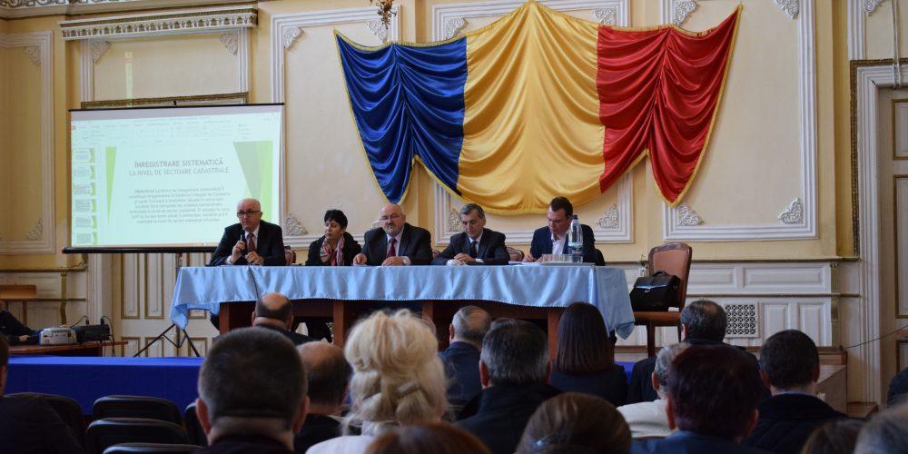 Prefectul Gheorghe Vușcan, la Primăria Dej