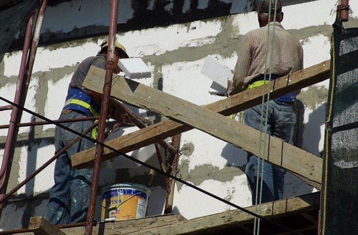 CODUL MUNCII modificat: Munca la negru nu va mai fi considerată infracțiune, dar se înăspresc amenzile