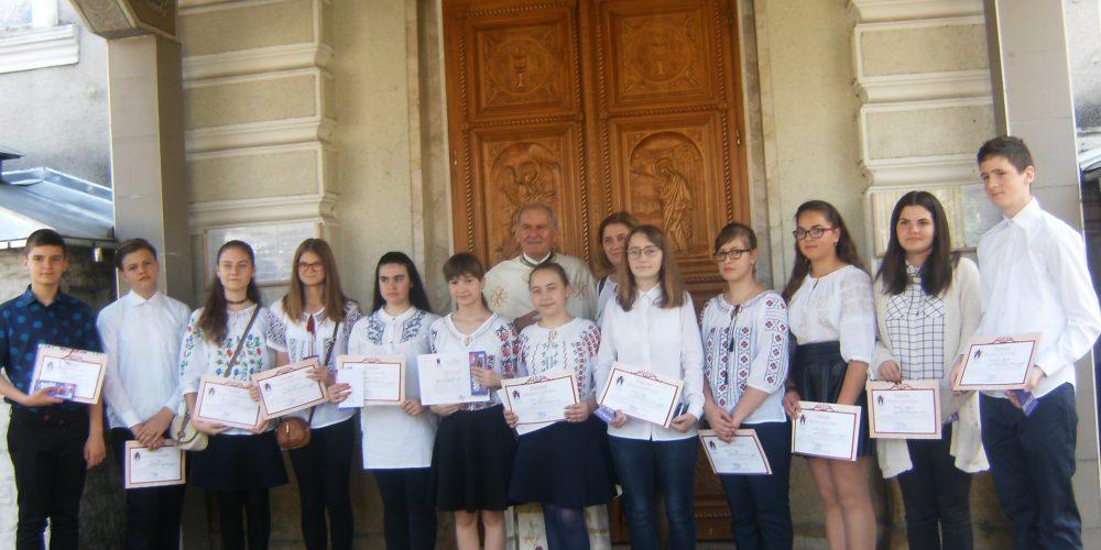 """Premii pentru """"cei mai tineri și mai buni enoriași"""" ai Parohiei Ortodoxe Dej II"""
