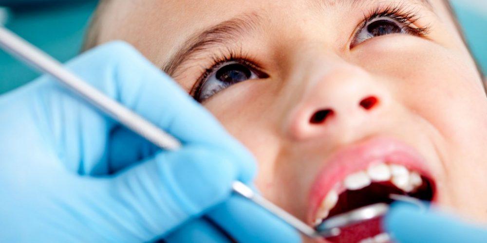 Proiect de lege: acces gratuit pentru copii la toate tratamentele stomatologice