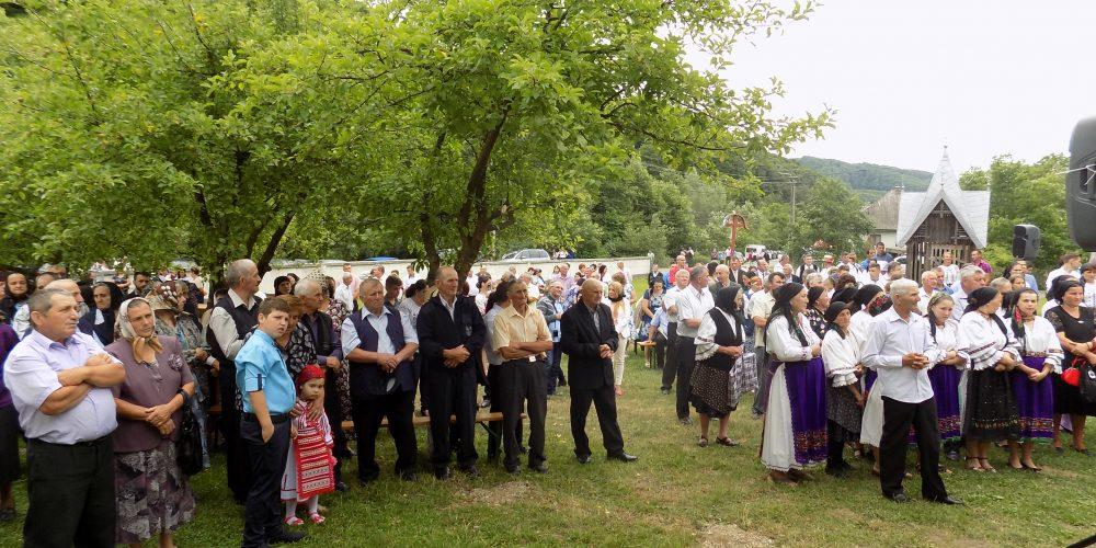"""Sărbătoarea  """"Fiilor satului""""  Strâmbu, comuna Chiuiești"""