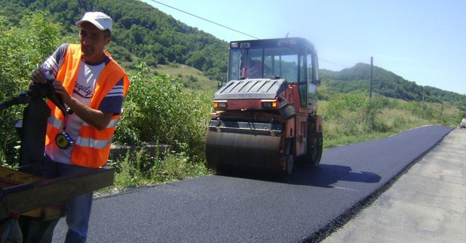 Lucrări de asfaltare pe drumul județean Nireș – Valea Ungurașului