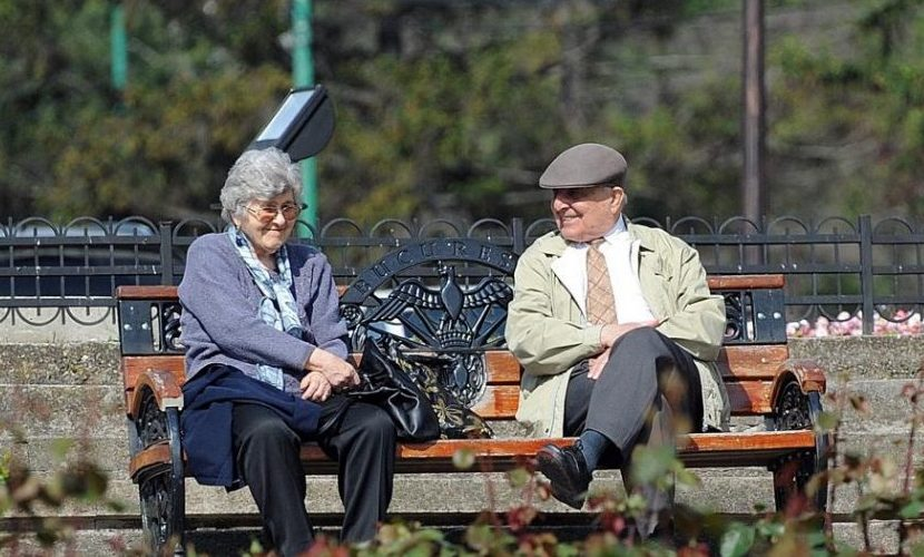 Proiect de lege: Convertirea tichetelor de călătorie în tichete de masă, pentru pensionari