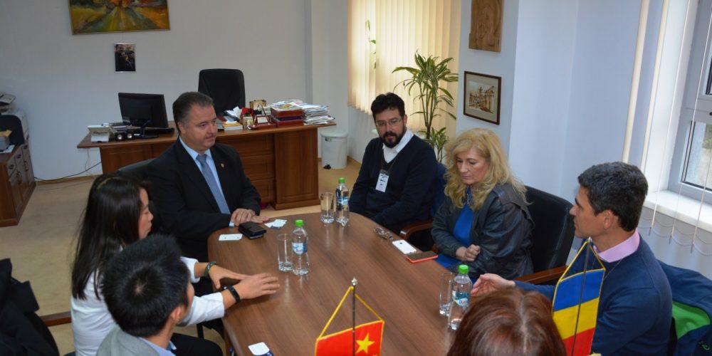 Chinezii, interesaţi să deschidă un Centru de Genomică și Analiză Biologică la Cluj
