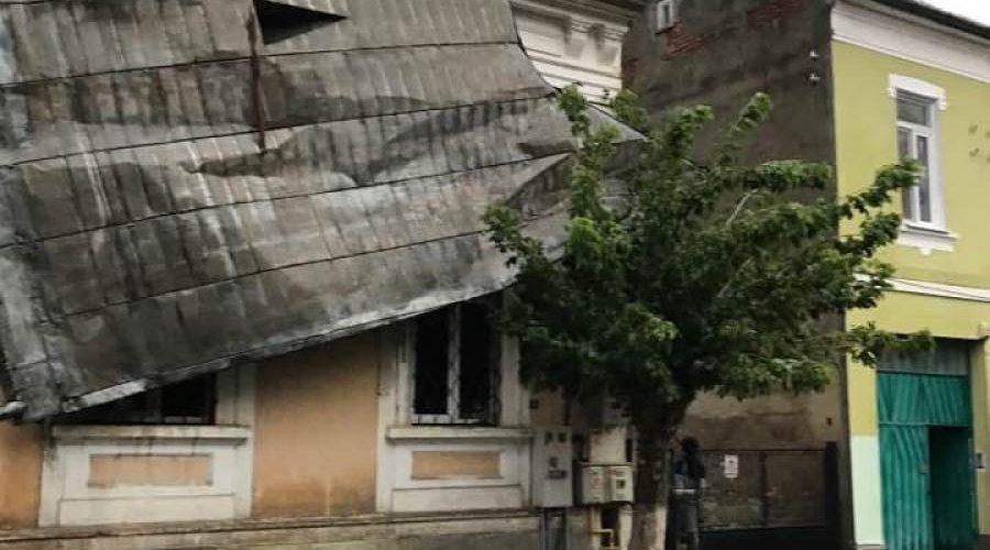 Controale ale Inspectoratului de Stat în Construcţii, după furtuna de duminică