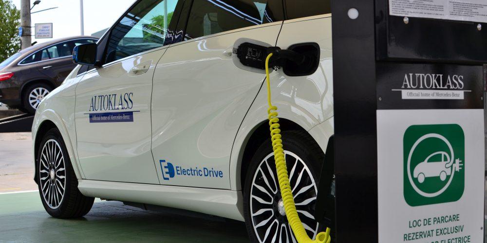 Vânzarea mașinilor ecologice, în creștere în România