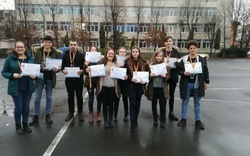 """CNAM Dej: Premii și mențiuni pentru """"tinerele speranțe"""" ale colegiului"""